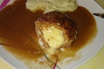 Camembert in Hackfleisch 33