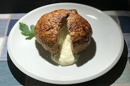 Camembert in Hackfleisch 1