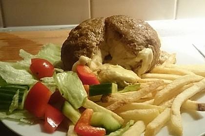 Camembert in Hackfleisch 28