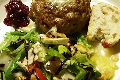 Camembert in Hackfleisch 38