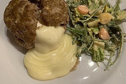 Camembert in Hackfleisch 20