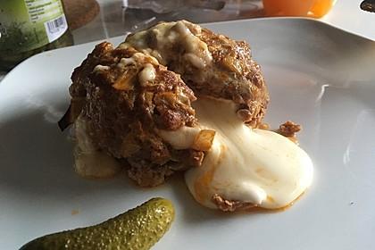Camembert in Hackfleisch 6