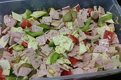 Wurstsalat mit Räucherkäse