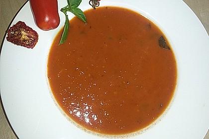 Tomatencremesuppe mit Ingwer und Rotwein