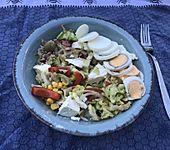 Gemischter Salat mit Feta-Käse (Bild)