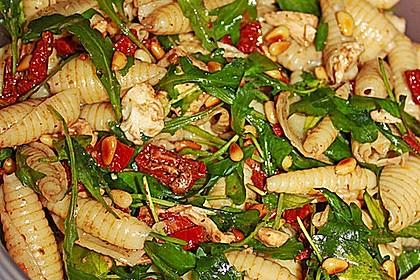 Nudelsalat auf italienisch (Bild)