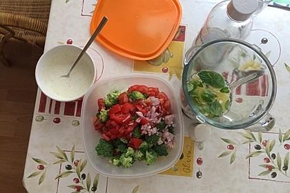Kalorienarmer Brokkolisalat 1