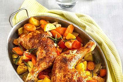 Hähnchenschenkel mit Gemüse und Kartoffeln im Backofen