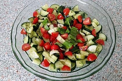 Pak Choi-Tomaten-Gurken-Salat