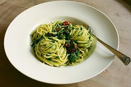 Spaghetti mit Spinatsoße 1