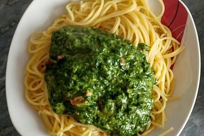 Spaghetti mit Spinatsoße