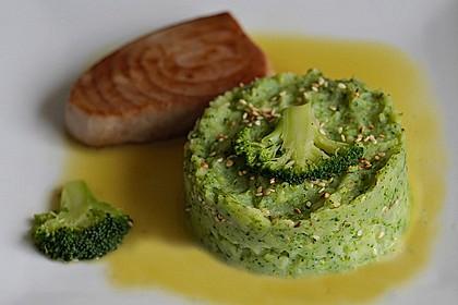 Brokkoli-Kartoffelstampf mit Wasabi und Sesam