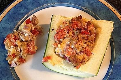 Gefüllte Zucchini mit Hackfleisch, Ricotta und Salbei (Bild)