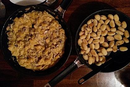 Gnocchi mit Kürbis-Pilz-Gemüse (Bild)