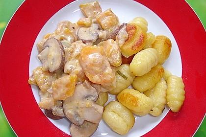 Gnocchi mit Kürbis-Pilz-Gemüse