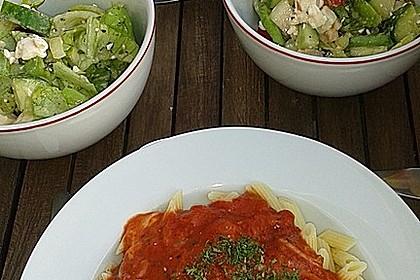 Nudeln mit Tomaten-Mozzarella Soße