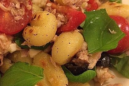 Gnocchi-Salat mit Thunfisch und Mozzarella