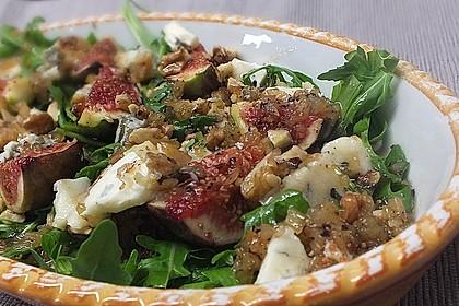 Rucolasalat mit Feigen, Gorgonzola und Ingwerdressing