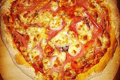 Der perfekte Pizzateig und Tomatensoße