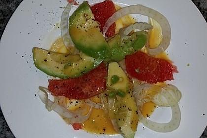 Fenchelsalat mit Avocado und Grapefruit (Bild)