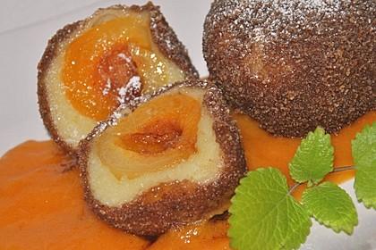 Saftige Aprikosenknödel (Marillenknödel) (Bild)