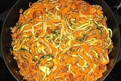 Zoodles mit Tomaten-Hackfleisch-Sauce 5