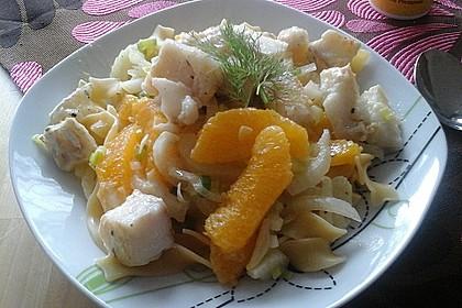 Tagliatelle an Orangen-Fenchel-Sauce mit gebratenen Kabeljaufiletstücken 18
