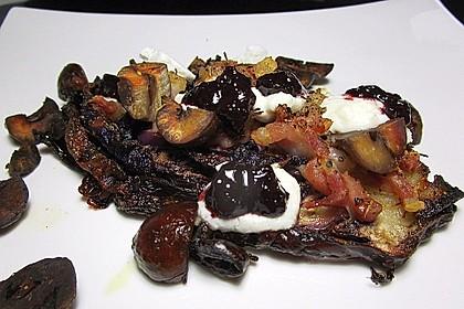 Gebackene Rotkohlspalten mit Frühstücksspeck, Maronen und Thymian 1