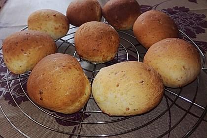 Kräuter-Käse-Brötchen