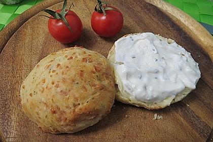 Kräuter-Käse-Brötchen 2