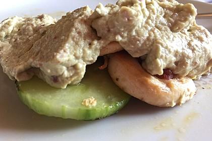 Gebratene Gurke mit Hähnchen und Avocadocreme 12
