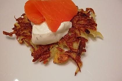 Lachs auf Kartoffelrösti mit Limettencreme 1
