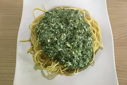Spaghetti mit Spinat - Feta - Soße 3