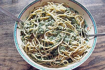 Spaghetti mit Spinat - Feta - Soße 6