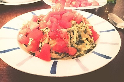 Spaghetti mit Spinat - Feta - Soße 4