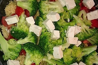Brokkoli-Hirse mit Feta/Schafskäse 21