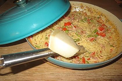 Bienemayas Spaghetti mit Erbsen, Schinken und Käse - Sahnesauce 7