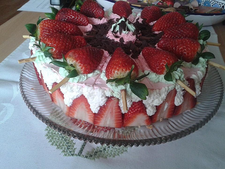 Erdbeer Yogurette Torte Von Lilli24670 Chefkoch De