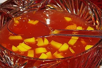 Alkoholfreie Bowle mit Pfirsich und Mandarine