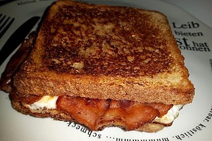 Grilled Cheese Sandwich mit Bacon und Spiegelei 4