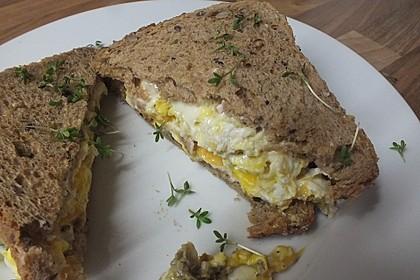 Grilled Cheese Sandwich mit Bacon und Spiegelei 13