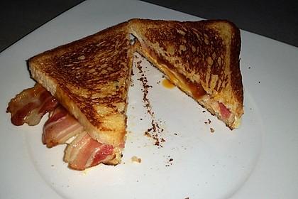 Grilled Cheese Sandwich mit Bacon und Spiegelei 16