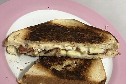 Grilled Cheese Sandwich mit Bacon und Spiegelei 20