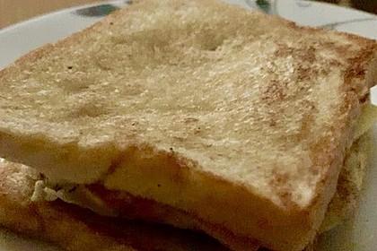 Grilled Cheese Sandwich mit Bacon und Spiegelei 7
