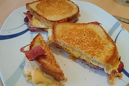 Grilled Cheese Sandwich mit Bacon und Spiegelei 6