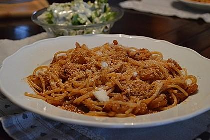 Scharfe Spaghetti mit Scampis in Tomaten-Weißweinsoße