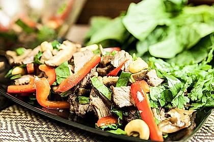 Asiatischer Roastbeef-Salat mit Spinat