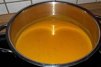 Kürbissuppe mit einem Hauch Curry 6
