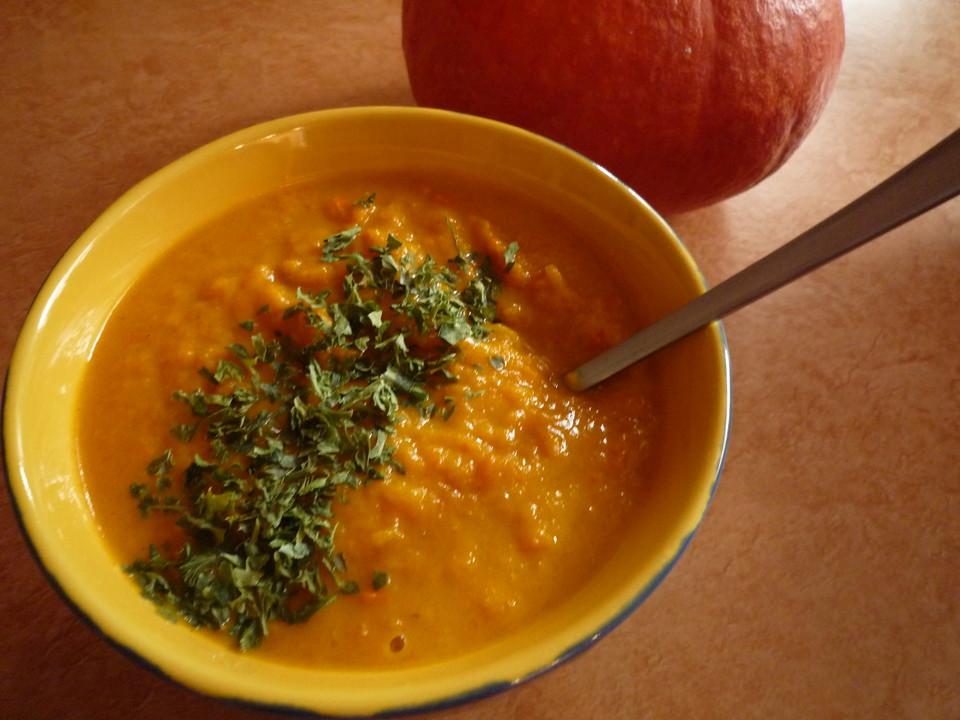 Kürbissuppe mit einem Hauch Curry von yasiliciousDE | Chefkoch