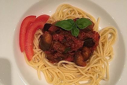 Pasta mit Auberginen-Tomatensoße